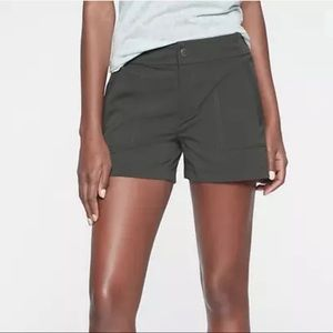 Athleta Light Gray Trekkie Short Athletic Size 8
